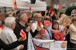Rote Karte gegen Rechtspopulisten